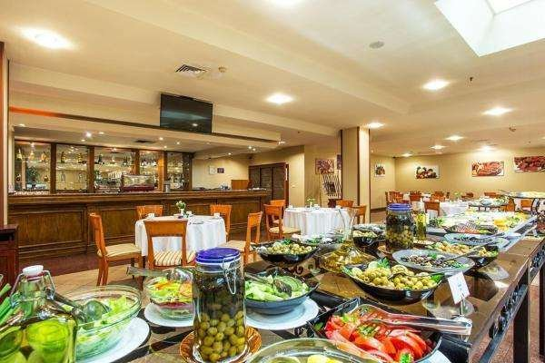 מלון רמדה סופיה בולגריה Ramada Sofia Bulgaria