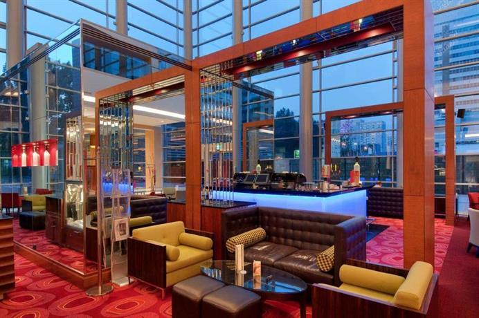 מלון הילטון ורשה פולין Hilton Warsaw Hotel
