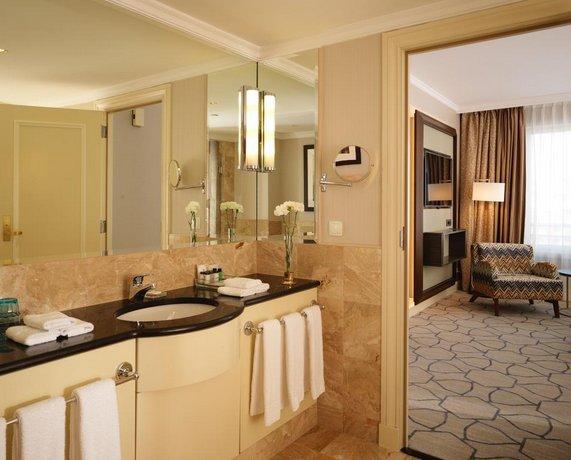 מלון שרתון ורשה Sheraton Warsaw